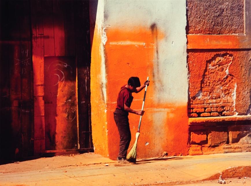 Manuel-Álvarez-Bravo-El-color-La-Couleur-1966-épreuve-chromogénique-d'époque-©-Colette-Urbajtel-Archivo-Manuel-Álvarez-image-courtesy-of-JDP