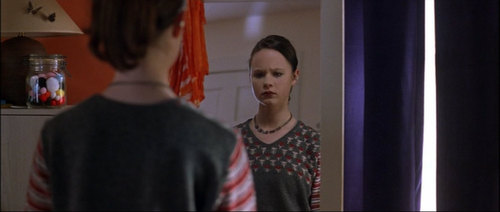 american-beauty-thora-birch-5946522-500-212